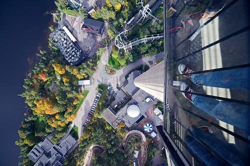 autumn lake building tower water architecture finland outdoor fallcolors amusementpark rollercoaster tampere särkänniemi näsinneula viewfromabove samyang samyang14mmf28