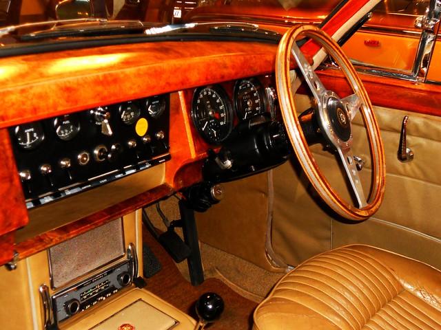 Jaguar 240 (1969) | Flickr - Photo Sharing!