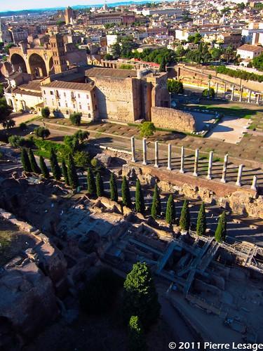 Prof.ssa Clementina Panella, Roma-Piazza del Colosseo, area della Meta Sudans; pendici nord ...