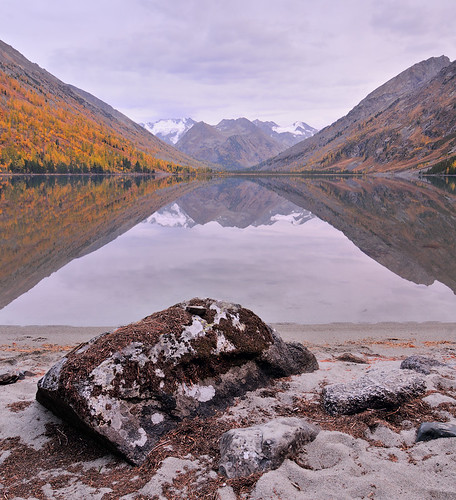 autumn sunset lake mountains beach landscape geotagged sand russia dusk stones multa altai 2011 altay watermirror алтай ustkoksa nikond300 горныйалтай шумы altairepublic tokinaaf12244 мульта katunridge middlemultinskoe среднемультинское среднеемультинское multinskoe мультинское