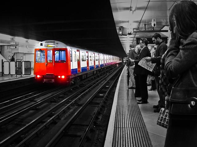 299/365 - Victoria underground
