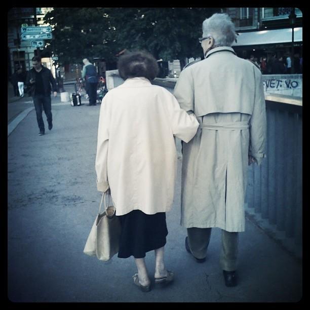 Vợ chồng ở với nhau lâu sẽ có ngoại hình giống nhau