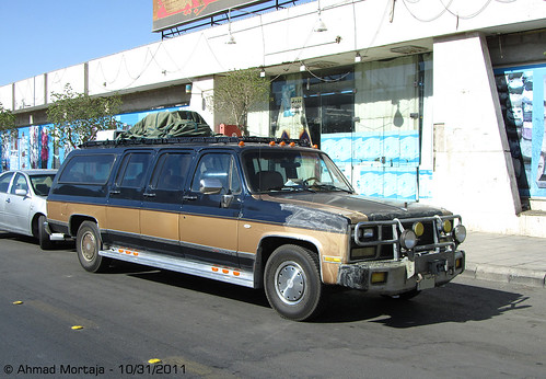 GMC Suburban 6-door Stretch Limousine