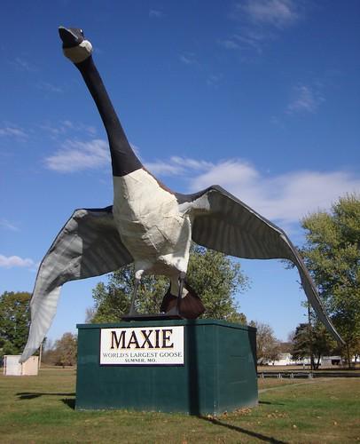 World's Largest Goose (Sumner, Missouri)