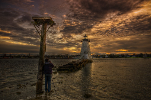 ocean light sea lighthouse birdcage sunrise ma harbor glow pentax massachusetts newengland historic indians fairhaven dartmouth hdr k5 shearman newbedford 1849 palmersisland tonemapped williamsherman hurricanewall kingphilipswar acushnetriver williampalmer pentaxart blinkagain trigphotography frankcgrace