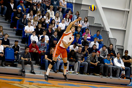 Aleks Saddlemyer  releases ball (vertical Oct 29, 2011 A. Snucins)
