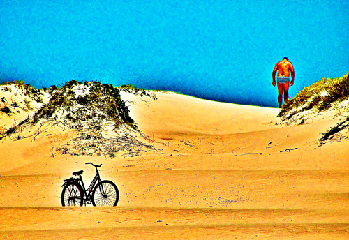 O homem, a bicicleta e a duna / The man, the bicycle and the dune