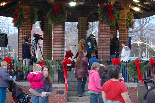 Franklin, MA: Santa arrives 2011