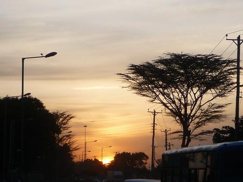 sunset sky bus lamp golden kenya nairobi cable acacia hotdryseason