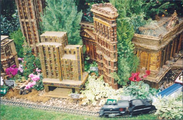 Model Trains Model Buildings New York Botanical Garden: botanical garden train show