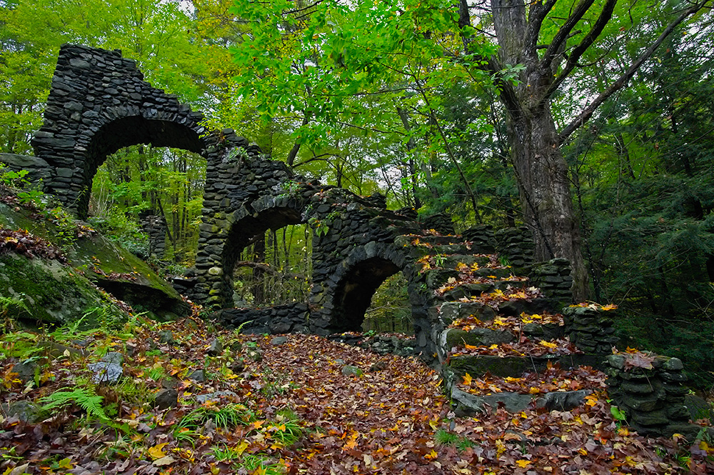 madame sherris castle ruins in new hampshire 1000x665