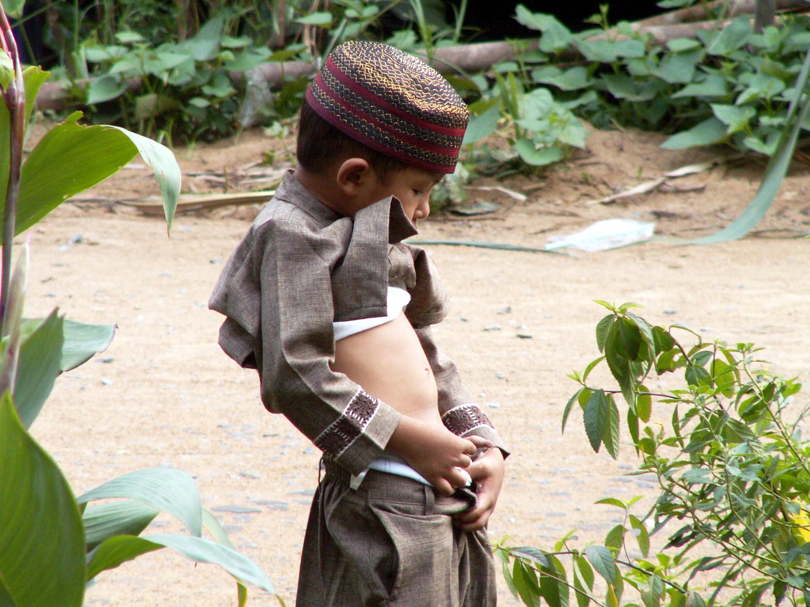nudist kid pee imgsr.ru trousers pee images - usseek.com