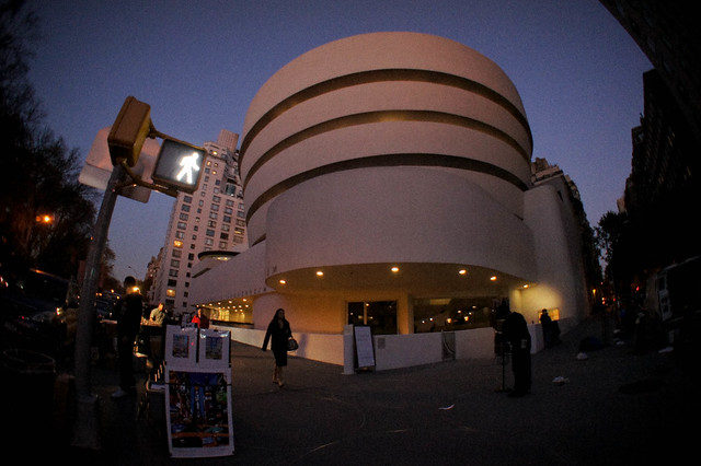 Guggenheim museum new york tripomatic for Attractions near new york city
