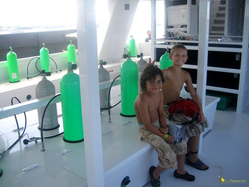live abroad diving package on luxury yacht