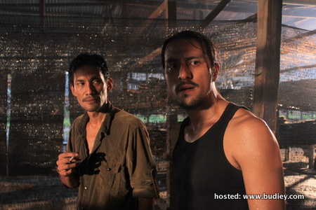 (l-r) Assassins ILHAM (Faizal Hussein) and DENG (Bront Palarae) 05