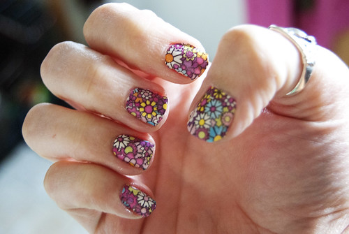 I ♥ Nail Polish » Blog Archive » How I make nail stickers last longer