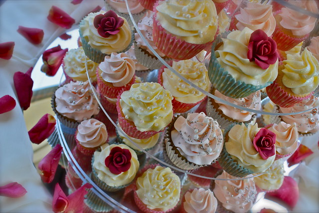 Vintage Pearl Red Rose Wedding Cupcakes