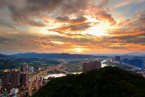 sunset cloud landscape taiwan bluesky 夕陽 taipei 碧潭 獅頭山 新店