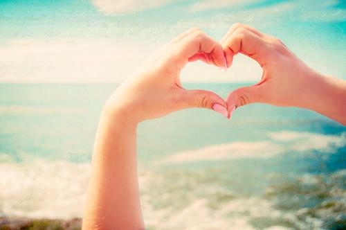 Sailing into destiny ... closer to the heart ♥