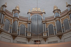 electronic device(0.0), keyboard(0.0), facade(0.0), byzantine architecture(0.0), cathedral(1.0), synagogue(1.0), organ pipe(1.0), organ(1.0), pipe organ(1.0), wind instrument(1.0),