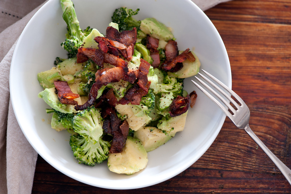 w7  broccoli, avocado & bacon salad