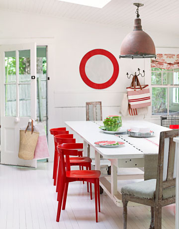 Painted floors + modern vintage mix: Benjamin Moore's 'Linen White' + red accents