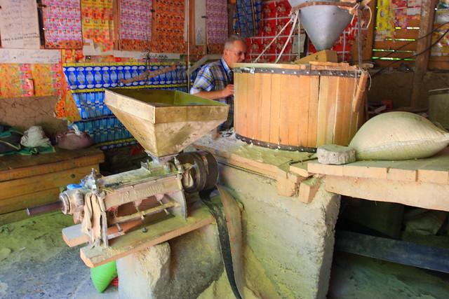 Flour mill secondary grinder, Kashmir