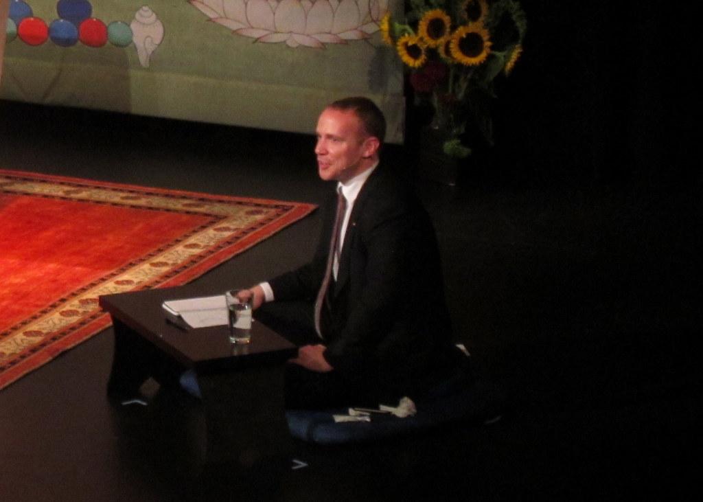 法王噶玛巴离美前夕于杭特学院演讲「悲心与心的真正本质」 - 坚华嘉措 - 坚华嘉措(本人的博客独此一家,绝无分店)