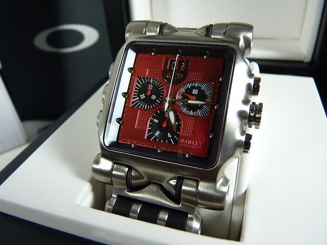 BEWARE (caution): Minute Machine/Time Tank ... - Oakley Forum