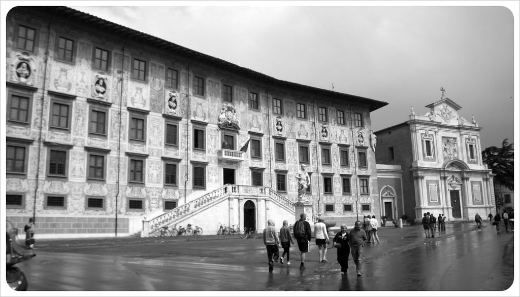 pisa building & piazza