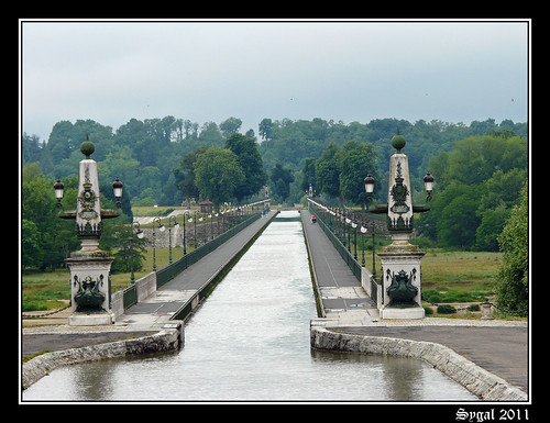 J3 - BRIARD - LE PONT CANAL 2-border