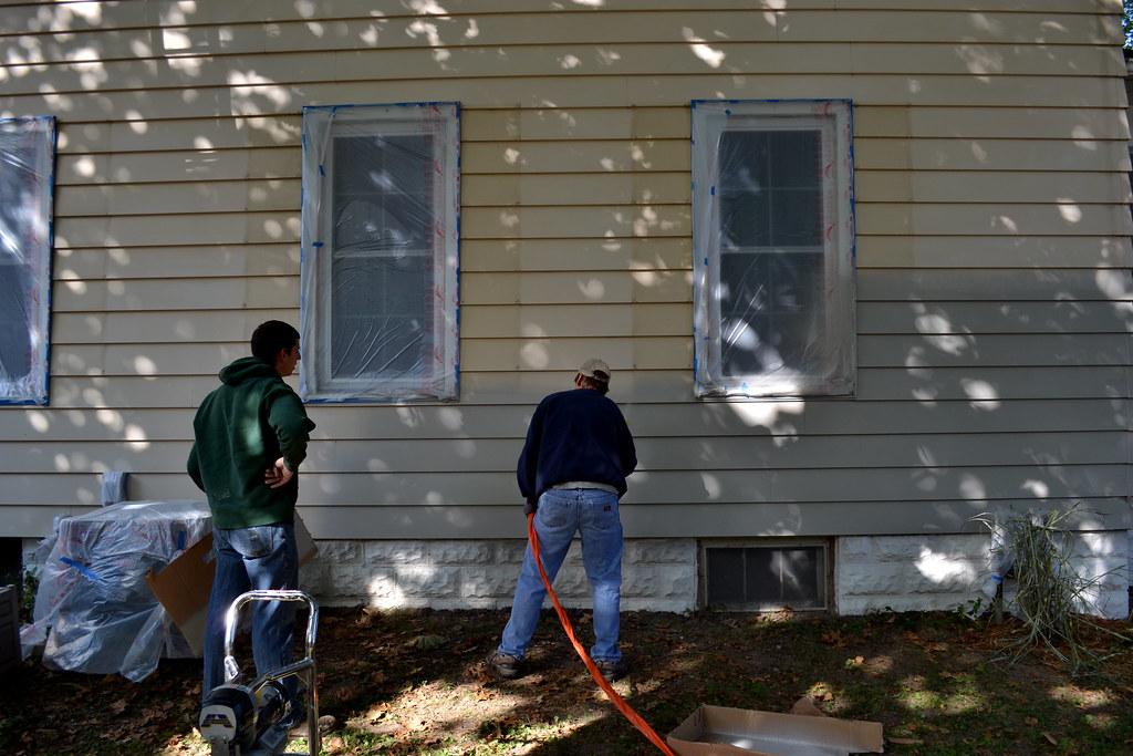 Painting aluminum siding newlywoodwards - Spray painting house exterior pict ...