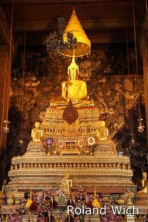 Bangkok - Buddha at Wat Pho