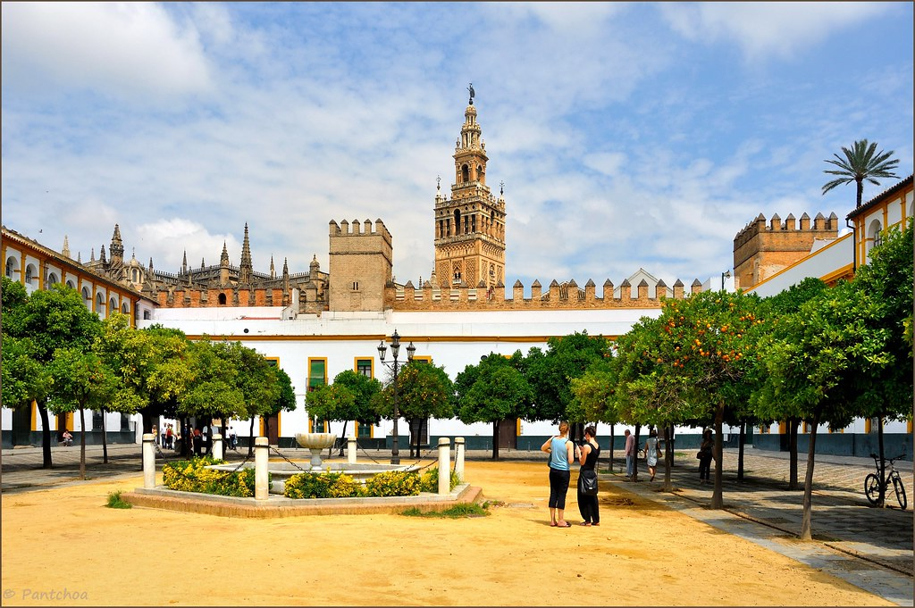 Sevilla Plaza Patio De Banderas La Giralda The Giralda Flickr