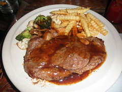 gravy, meal, roasting, grilling, fried food, meat, sirloin steak, salisbury steak, food, dish, meat chop, cuisine, sunday roast,