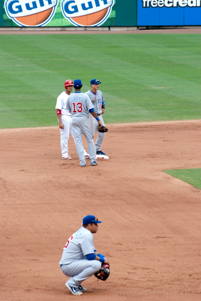 Jay, Castro, and Barney chat at 2nd