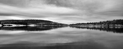 lake snow reflection tree water silhouette clouds river landscape three mt dam overcast mount land scape snowfields mountselwyn waterscape selwyn cabramurra khancoban mtselwyn threemiledam selwynsnowfields