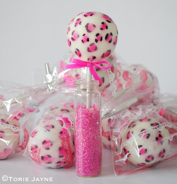 Packaging my Leopard print cake pops