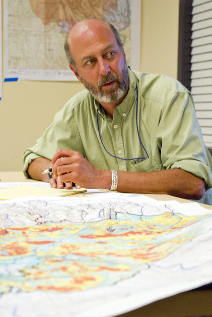 Danny Katzman, laboratory water stewardship program manager, confers with colleagues about how best to mitigate effects of Los Conchas Fire.  Photo by Joseph Johnson.