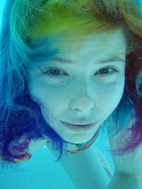 Rainbow hair underwater ^_^