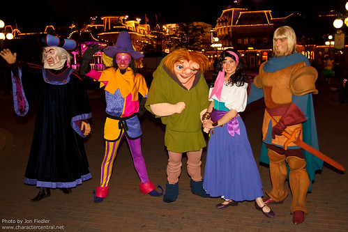 DLP June 2011 - A character filled end to a Magical Night in Parc Disneyland