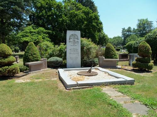 Pillars Memorial Garden (2)