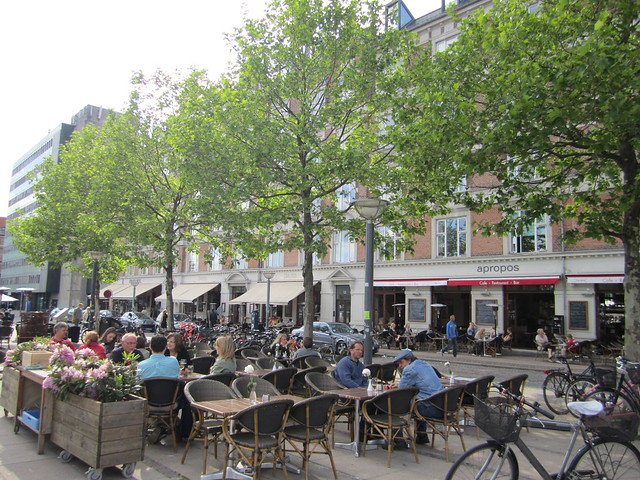 Summer cafes in Copehagen by La Citta Vita on flickr