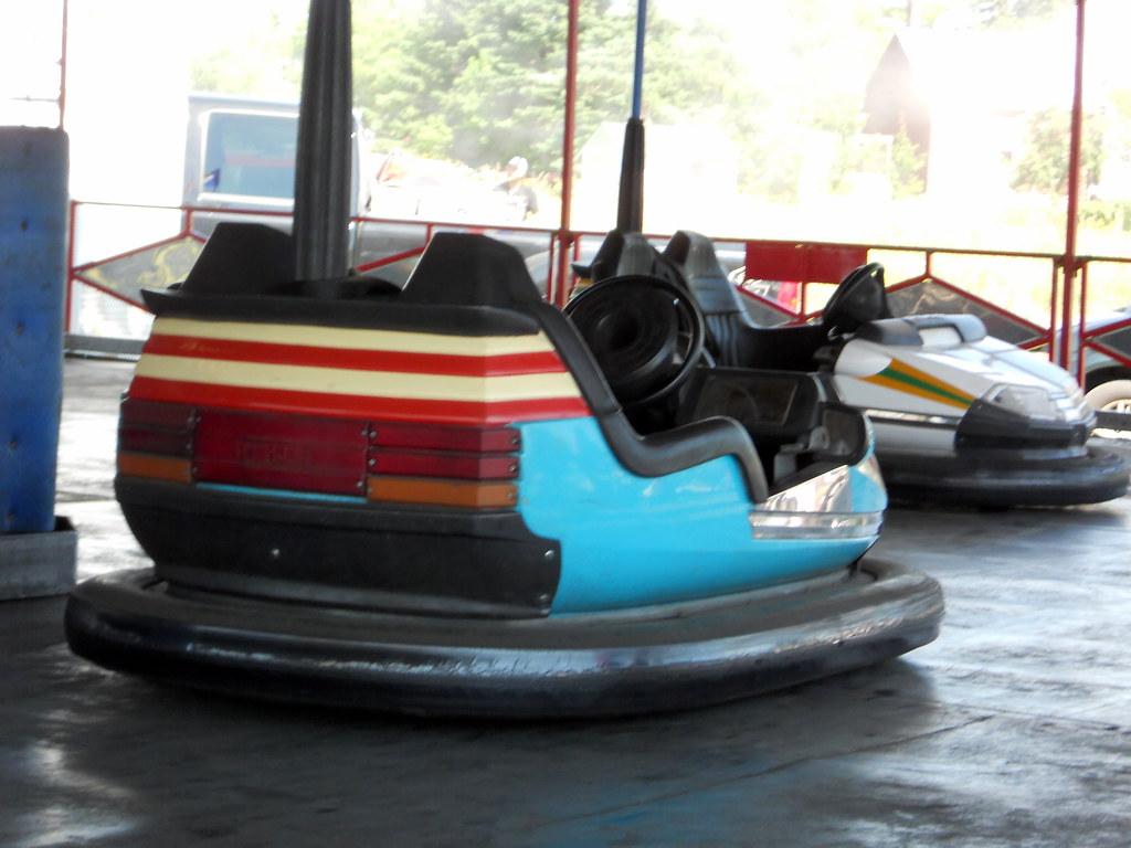 Bumper car tub