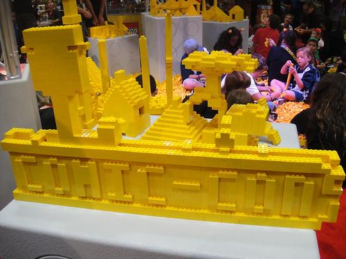 San Diego Comic-Con 2011 - Comic-Con in Lego (Lego booth)