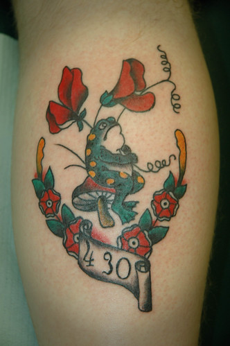 toad on toadstool with sweet pea flower tattoo by keelhauled mike of black anchor tattoo denton. Black Bedroom Furniture Sets. Home Design Ideas