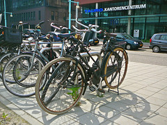 Empo damesfiets (vintage ladies bicycle, v�lo dame ancien), Amsterdam, Teleportboulevard, 06-2010
