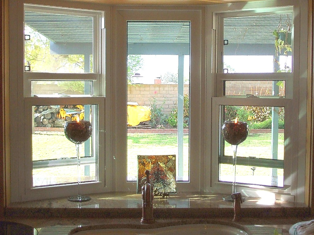 Garden Windows For Kitchen Show Me You Kitchen Bay Windows Above Sink