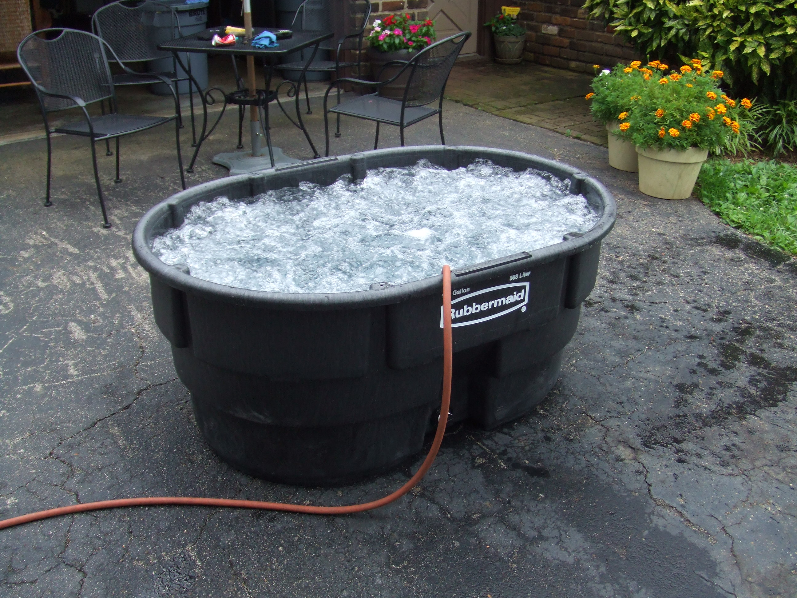 Single person stock tank hot tub with bubbles from air for How to make ice in a fish tank