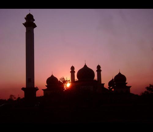 indonesia mosque ramadhan senja bulan riau siak mesjid suci bej arethesebuildings